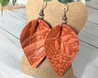Leather earrings - Petals - Fresh Peach Ferns