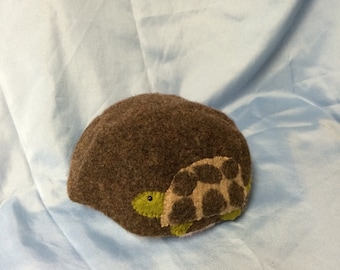 Childs felted wool hat with turtle