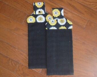 Yellow Daisies Hanging Dish Towels (Set of 2)