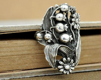 vintage find sterling silver solid cast ring LILY OF the VALLEY sterling silver artisan made lily ring size 6