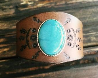 Boho Leather Turquoise Bracelet, Southwest Leather Bracelet, Native American Leather Bracelet, Turquoise Leather Cuff, Turquoise Cactus