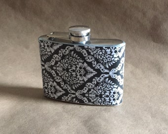 Mother's Day, Graduation Party Favor Black and White Victorian Diamond Print Stainless Steel 4 ounce Garter Flask