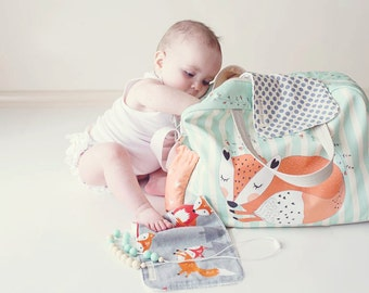 DIAPER BAG Fox/ nappy bag / sleeping fox on striped mint green background/ big diaper bag, weekender, changing bag, mommy bag