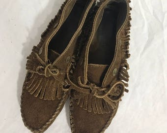 Minnetonka Moccasins Brown Suede Size 6