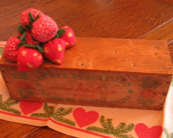 Vintage Wood Cheese Box with Cover, Swift's Brookfield Pasteurized Processed Cheese, Yellow American, Red and Green Graphics