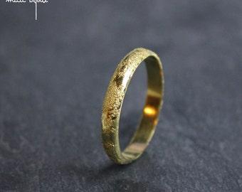 Meteorite di anello nuziale in oro giallo 18 carati, Alleanza martellata, anello anello fatto a mano Francia, anello uomo donna minimalista moderno matrimonio