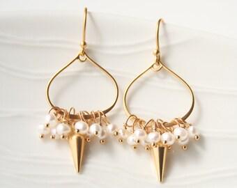 Pearl Earrings, Spike Earrings, Modern Bridal Earrings, June Birthstone