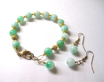 Jade Bracelet & maching earrings, Free Shipping, Gold accents, 7 to 7.5 inches