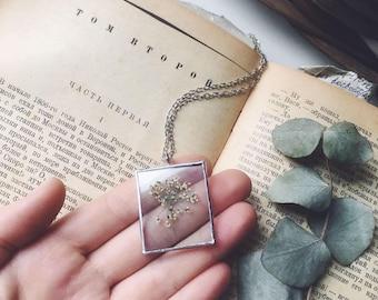 Rustic Flower Necklace, Wildflower necklace, Botanical necklace, Botanical jewelry, Real flower, Bridal Bridesmaid necklace, Rustic wedding