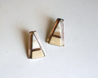 1970s Native American sterling and stone inlay / 70s vintage beige stone and silver Navajo earrings / southwestern Muskett desert earrings