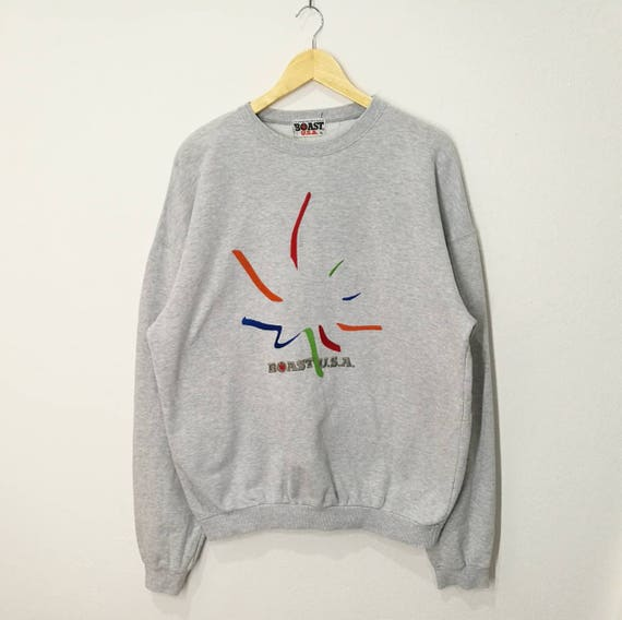 Vintage Boast USA Spellout Big Logo American Flag Sweatshirt Jumper Pullover Sweater Sz Medium wWEVT