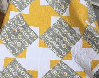 Baby girl quilt, Yellow and gray baby quilt, Spring baby quilt, baby shower gift, baby blanket, yellow and gray baby blanket, spring baby