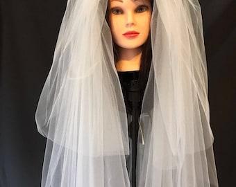 Fingertip length Bridal Wedding Veil white or ivory three tiers,free blue Garter