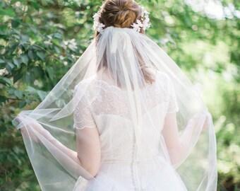 waltz length veil, waltz veil, bridal veil ivory, bridal veil comb, wedding veil, wedding veil waltz, champagne veil, veil with comb, colors