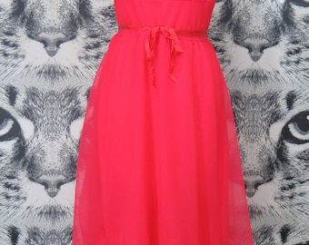 60s Fuchsia Nightie with Floral Lace Accents / L
