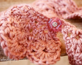Crochet Collar Necklace - Small - Victorian Rose
