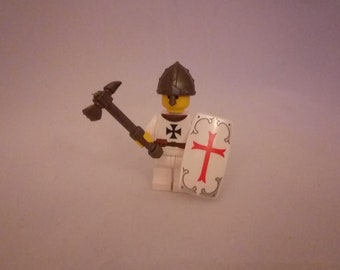 Crusader knight white/black edition with hammer made out of LEGO® bricks and custom parts