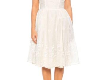 1950s Eyelet Lace Dress Size: 2