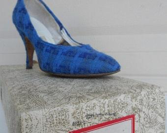 SALE Vintage 60s Blue High Heel Shoes  . Wool TWEED Blue Plaid . Size 5