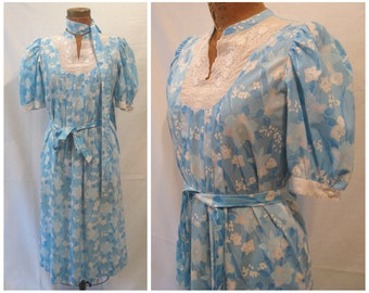 Vintage 70s Lilly Pulitzer dress, 1970s The Lilly dress, blue white Lilly dress, blue white dress, turquoise white dress