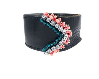 Leather Cuff~Peyote Arrow Beaded Bracelet/Black Leather Cuff Bracelet~Hand Sewn Rhinestone Beaded Arrow Peyote Pattern