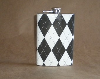 Sale Flask Classic Black and White Harlequin Print Stainless Steel Hip Flask 8 Ounces