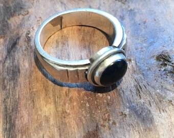 Black Onyx Ring...Vintage Ring ..Sterling Silver Ring...Handcrafted....Vintage...Gypsy...Hippie...Gift...Vintage Shop...LV123