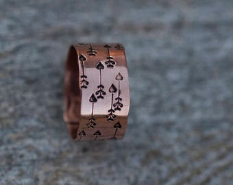 Wide copper ring // Handstamped arrow pattern // Adjustable // Romantic arrows // For your love