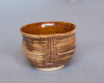 Teabowl. Unique wheelthrown yunomi. OOAK