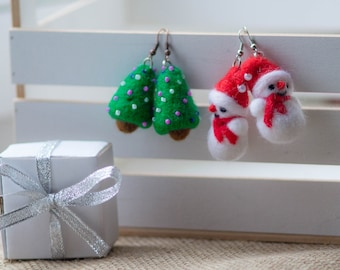 Holiday Jewelry, Christmas Jewelry, Earrings Christmas Snowman Christmas Earrings,, Christmas Gift, Christmas Tree Earrings, Gift Ideas