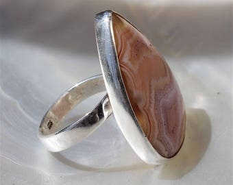 Ethnic ring adjustable with silver and layered agate Sterling