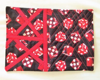 Dice Snack Mat, Quilted Place Mat, Quilted Mug Rug, Red Quilted Mat, Coaster Quilted, Candle Mat, Sewnsewsister