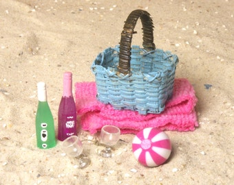 Miniature Beach Basket Set for Your Dollhouse