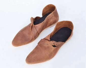 Leather shoes, women's shoes, boho shoes, flats, loafers, pointy, handmade shoes, asymmetrical shoes, booties ~ Rilee