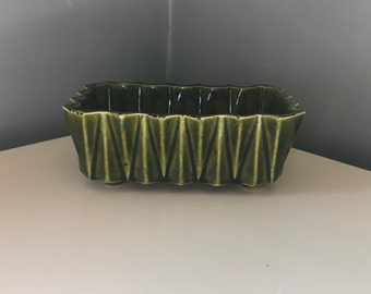 Green UPCO USA Planter 277 Ungemach Pottery Co. of Roseville, Ohio Art Deco Jardiniere Dish