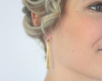 Daisy earrings, gold plated. Gatsby collection/ Art deco style