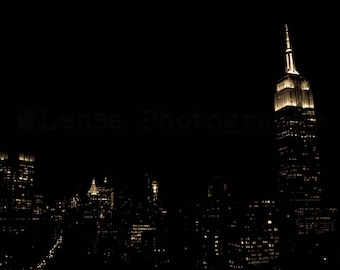 New York - The City that Never Sleeps - Empire State at Night