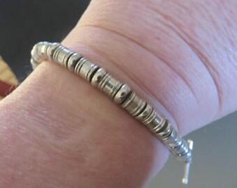 Silber Armbänder 4 Entscheidungen - Silber ummantelt Messing Perlen Armbänder - Verkauf
