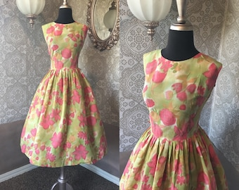 Vintage 1950's 60's Pink and Green Floral Print Cotton Dress Large