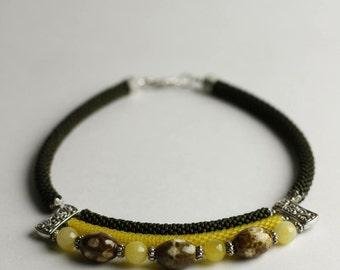 Sunny mood beaded necklace with natural stones