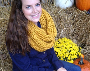 Chunky Crochet Inifinity Scarf | Mustard