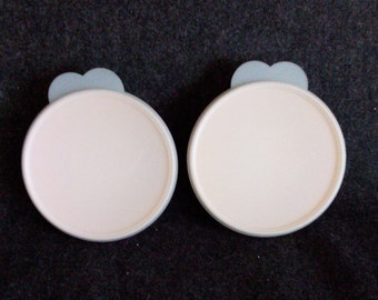 2  TUPPERWARE # 24158 Bowls with Lids# 2541a   PreOwned and well cared for  GREAT CONDTION