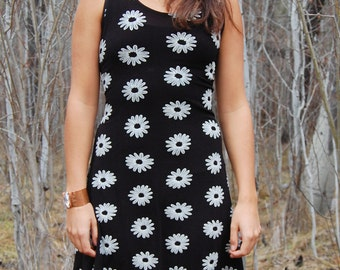 Vintage 90s Black and White DAISY Flower GRUNGE Tank Dress SMALL