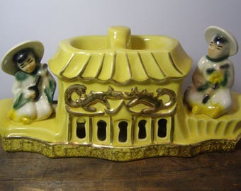 Kitschy 1950's TV Lamp. Bright Yellow and Gold Highly Collectible Ceramic Mid Century Asian TV Lamp. Chinoiserie. Premco Mfg Co. Chicago, IL