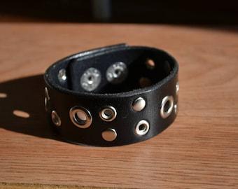 Black leather bracelet studded - Steampunk