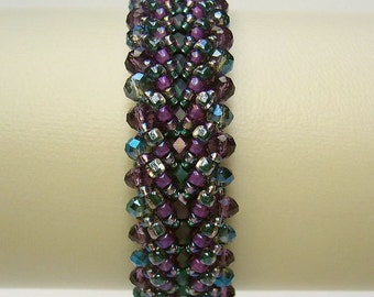 Bracelet with sparkling beads in teal green and Amethyst violet