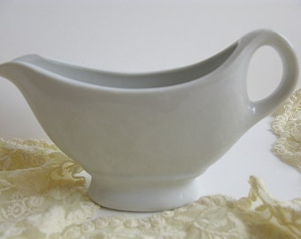 White Pitcher Individual 6 Oz Gravy Boat Salad Dressing Creamer Restaurant Ware Diner Dishes Vintage Stoneware French Farmhouse Decor