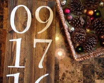 Rustic Pallet Wood Date Sign Decor