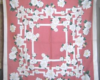 1950s PRINT KITCHEN TABLECLOTH - White Rose Trellis Topper