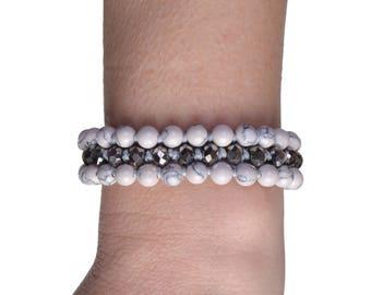 White howlite bracelet, Gemstone bracelet, White silver bracelet, White bead bracelet, White statement bracelet, Howlite jewelry
